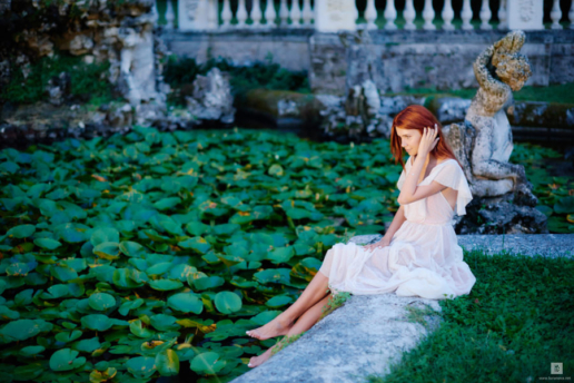 Family photoshoot on Garda Lake of Anna, Slava and Milana, Wedding and Fashion Photographer in Italy Hanna Baranava