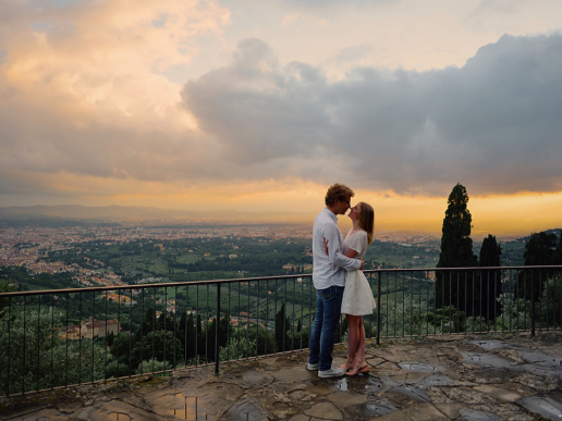 Couple photoshoot in Tuscany of Yana and Alex, Wedding and Fashion Photographer in Italy Hanna Baranava