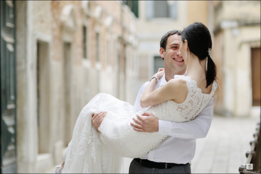 Couple photoshoot in Venice of Katya and Anton, Wedding and Fashion Photographer in Italy Hanna Baranava