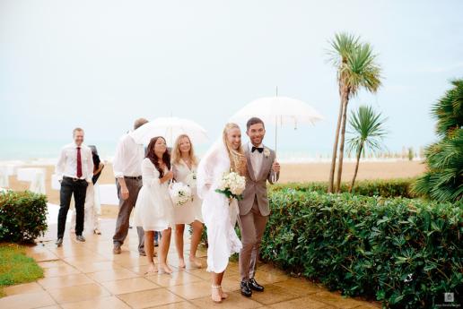 Matrimonio sulla spiaggia in Abruzzo di Marco e Grace, Fotografa di Matrimonio e di Moda a Milano Hanna Baranava