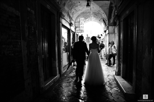 Small wedding in Venice of Ekaterina and Eugeny, Wedding and Fashion Photographer in Italy Hanna Baranava